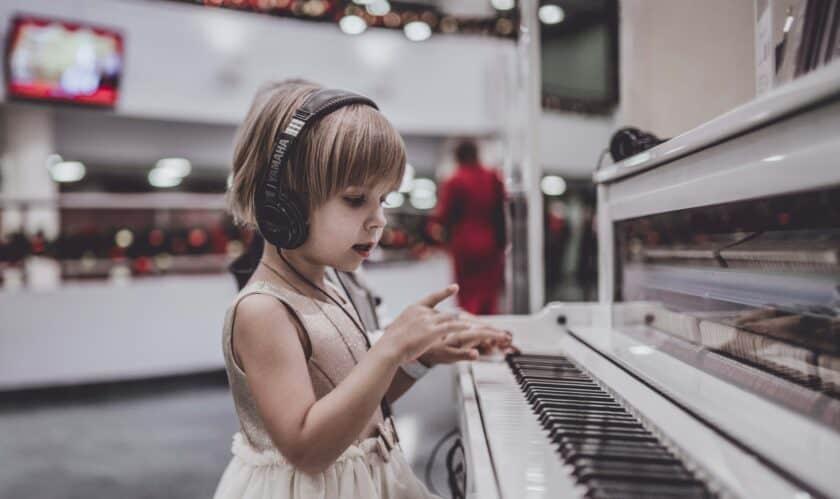 Teaching children music notes